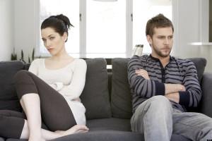 o-couple-arguing-facebook-e1427065283462